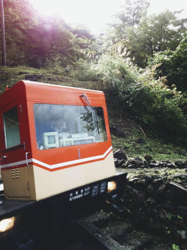 黒部ダム ケーブルカー 02
