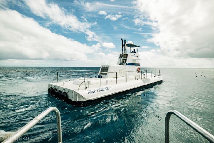 ポンツーン 半潜水艇