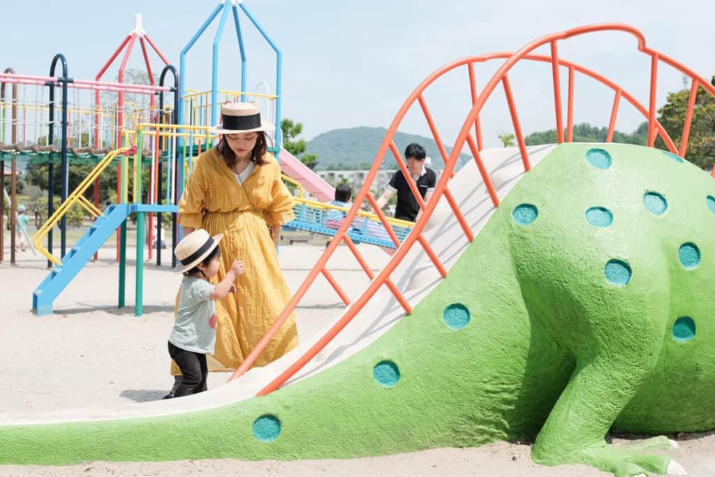 歩けるようになったばかりの子から、小学生くらいの大きい子まで遊べる公園