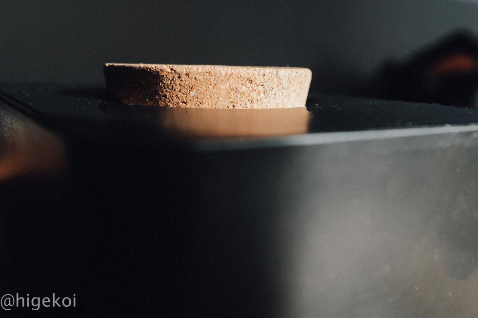 sarasa design ウェットティッシュケース 蓋の上部はコルクでかっこいい